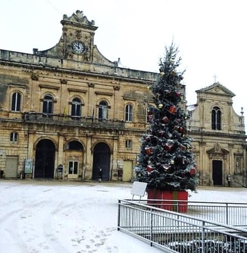 Neve a Ostuni, annullato il mercato settimanale di sabato 5 gennaio