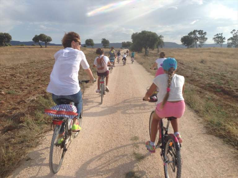 """Mobilità dolce e turismo sostenibile: la prima edizione di """"Percorsi di Puglia"""" fa tappa a Ostuni"""