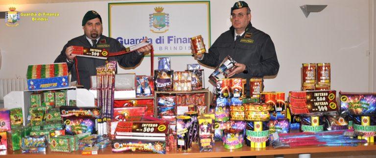Botti di capodanno illegali: la Guardia di Finanza sequestra 24mila pezzi e denuncia tre venditori