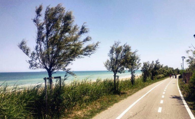 Mobilità sostenibile: nasce la Ciclovia Adriatica, da Trieste a Leuca in bici