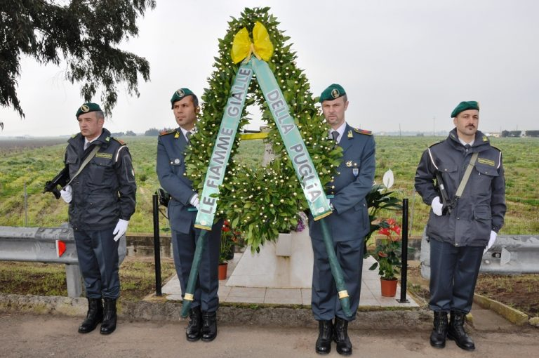 La Guardia di Finanza rende onore al ricordo di Alberto De Falco e di Antonio Sottile