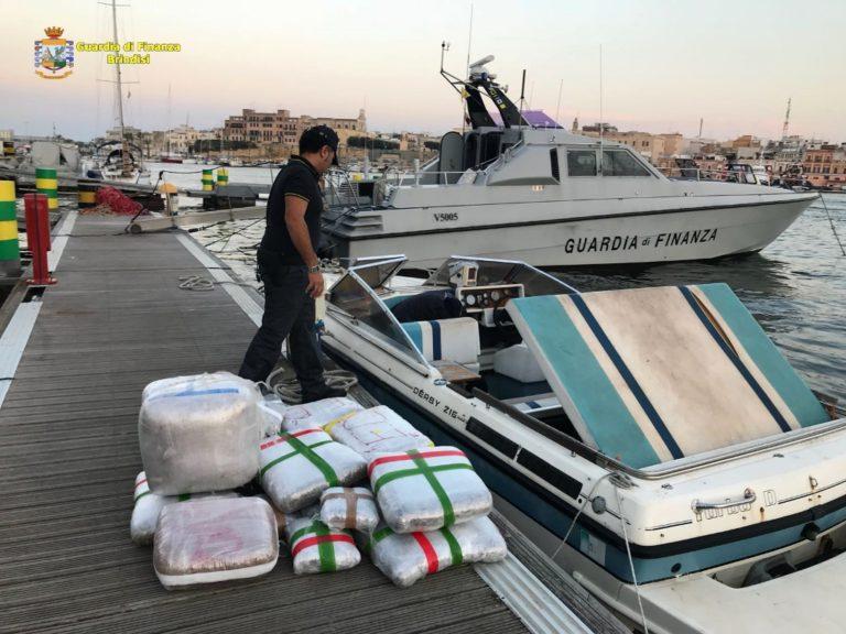 Narcotraffico internazionale, arrestate 15 persone e sequestrate 4 tonnellate di sostanze stupefacenti